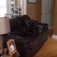 Эта собака так гоняет по квартире, что все разлетается в стороны!