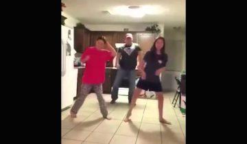 Тот момент, когда папа явно танцует круче дочек