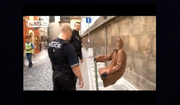 Полиция в Праге разоблачила фокусников: 1 млн просмотров