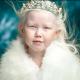 Настоящая Белоснежка: девочке из Якутии сулят большое будущее (7 фото)