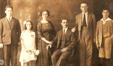 Почему люди на старых фотографиях не улыбаются