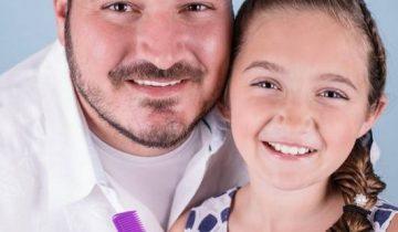 Отец-одиночка научился делать дочке фантастические прически (7 фото)