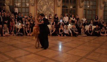 Неординарная пара танцоров: что делает толстяк рядом с такой красоткой?