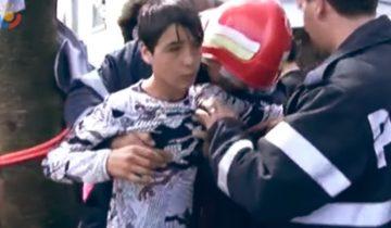 В 13 лет этот мальчик рискнул жизнью, спустившись в узкий колодец