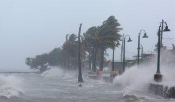 Ураган «Ирма» пришел вслед за «Харви» и стирает дома с лица земли