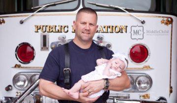 Пожарник спас новорожденную малышку, чтобы … стать ее отцом