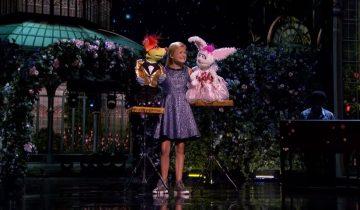 Она пришла на финал AGT 2017 с двумя куклами, чтобы победить (4,7 млн просмотров)