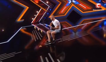 Сергей Пелых пришел на Х-Фактор с авторской песней, а ушел без гитары