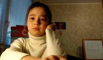 Девочка-видеоблогер расплакалась из-за провала фан встречи и стала звездой