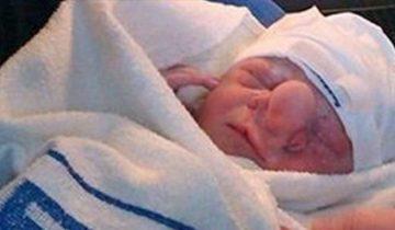 Ее сына обозвали Пиноккио. Одна женщина заявила: «Он не должен был родиться!»