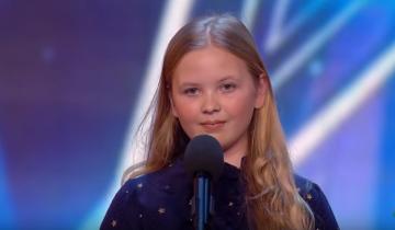 12-летняя девочка вышла на сцену, стесняясь. Через секунду у всех отвисли челюсти