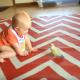 Милые малыши и попугаи: подборка позитива для хорошего настроения