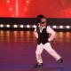 4-летка зажег на сцене под Gangnam style (41 млн. просмотров)