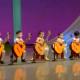 Что детки вытворяют с гитарами, которые чуть ли не больше их ростом
