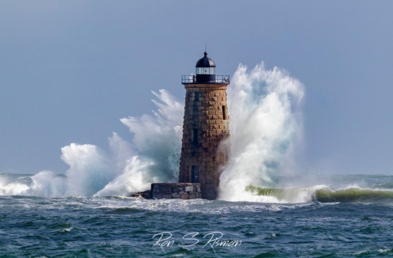 можно кушать маяк в океане фото является действующим