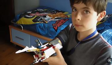 Уже в 9 лет мальчик пытался сделать себе руку из Лего. И у него вышло!