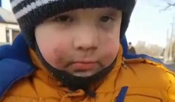 «Немного замарался»: милый малыш покорил сердца интернет-пользователей