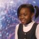 10-летняя малышка в смущении вышла на сцену, чтобы сразить своим талантом