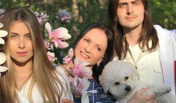 София Ротару устроила фотосессию с семьей