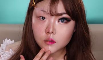 Девушка демонстрирует чудеса, на которые способен макияж
