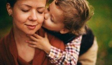 Сын выставил матери счет за помощь. От ее ответа наворачиваются слезы на глаза
