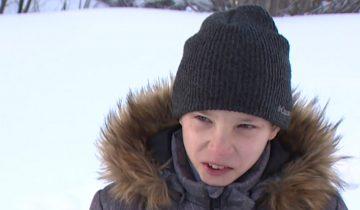 Мальчик два километра тащил на себе раненного друга. Он спас ему жизнь!