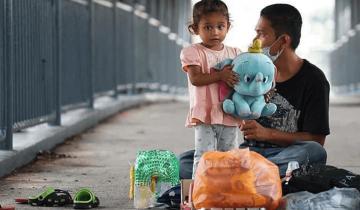 «Мир не без добрых дел» — парень спас семью, которая жила на мосту